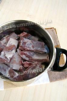 莲藕排骨汤的做法 步骤1