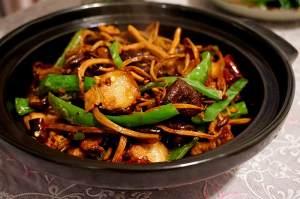 五花肉干锅茶树菇的做法 步骤6