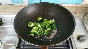 土豆烧茄子的做法 步骤5