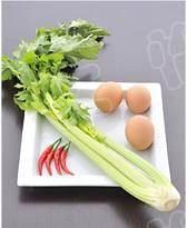芹菜炒鸡蛋的做法 步骤1