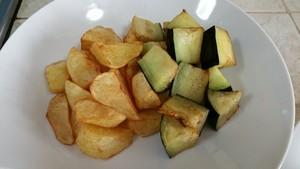 土豆烧茄子的做法 步骤3