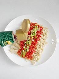 剁椒金针菇的做法 步骤6