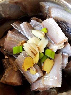 红烧带鱼的做法 步骤1