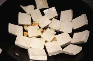香煎豆腐--家常豆腐的做法 步骤2