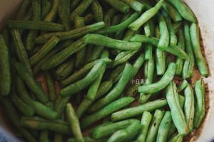 干煸四季豆的做法 步骤4