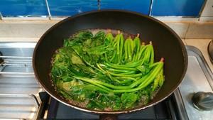 菠菜虾仁蒸蛋的做法 步骤3