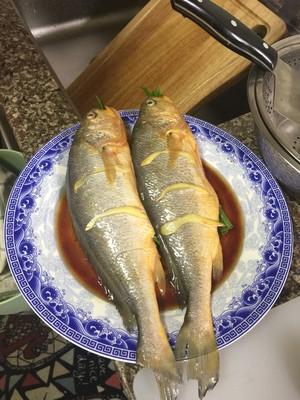 红烧黄花鱼的做法 步骤2