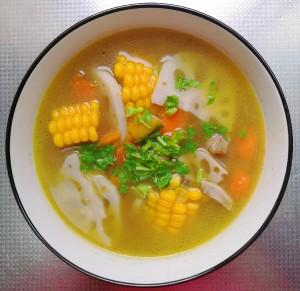 香菇玉米素蔬养生汤 没难度的做法 步骤5