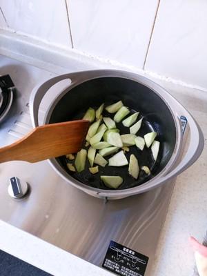 丝瓜豆腐汤(附奶白色汤方法)的做法 步骤7