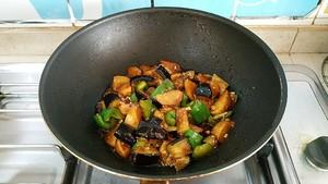 土豆烧茄子的做法 步骤11