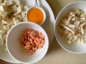 豆腐菌菇汤的做法 步骤1