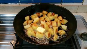 蒜香马铃薯的做法 步骤5