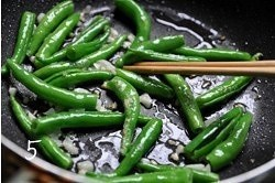 青椒牛柳的做法 步骤5