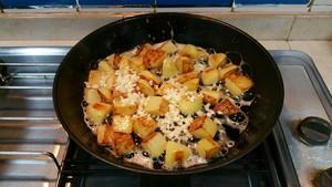 蒜香马铃薯的做法 步骤6
