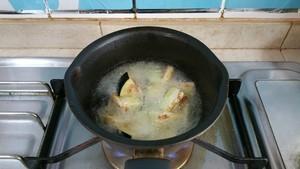 土豆烧茄子的做法 步骤2