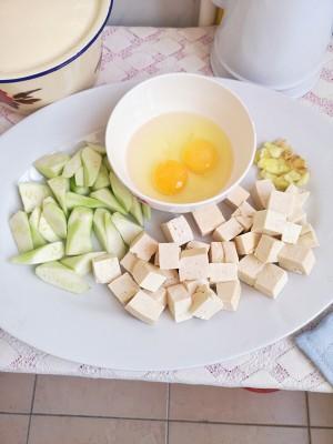 丝瓜豆腐汤(附奶白色汤方法)的做法 步骤1