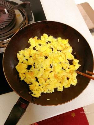 皮薄馅多的韭菜盒子的做法 步骤4