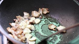 教你小炒肉最简单的做法,好吃又下饭,每次做家人都嫌少的做法 步骤6