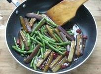 茄子豆角的做法 步骤10