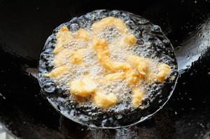 糖醋里脊 鸡胸肉的新吃法 香酥酸甜节日聚餐必做菜 超详细做法的做法 步骤4