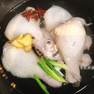 麻辣口水鸡(家常版)的做法 步骤1