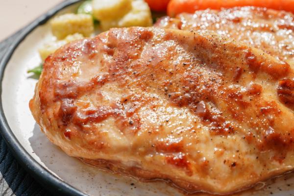 【嫩煎鸡胸肉】的做法