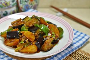 土豆烧茄子的做法 步骤12