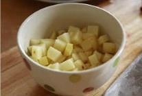 红烧肉炖土豆的做法 步骤2